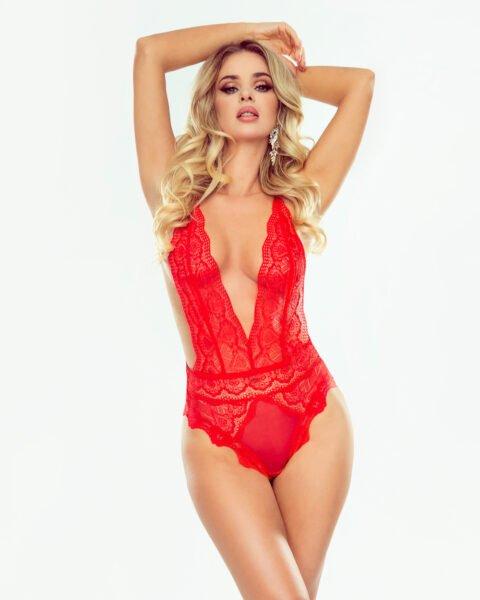 Giselle czerwone body